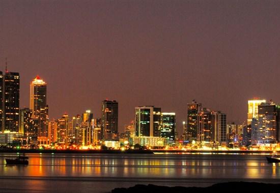 PANAMA - země rumu a velkých lodí - Panama