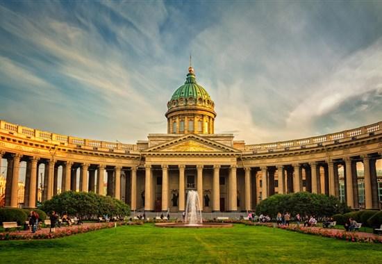 PETROHRAD A LADOŽSKÉ JEZERO - Rusko