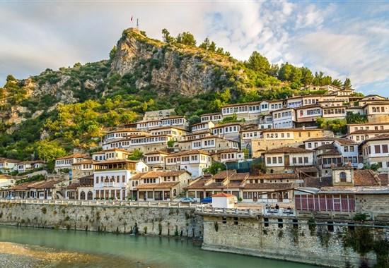 KORFU A JIŽNÍ ALBÁNIE - Řecko